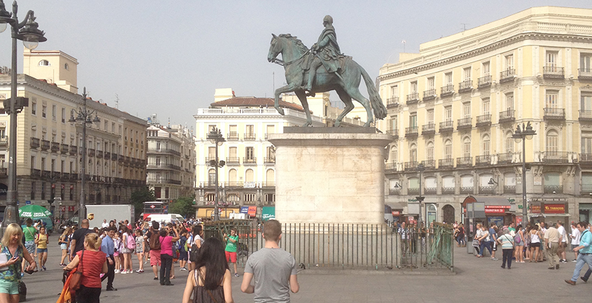 alan travels a puerto del sol madrid 850x435